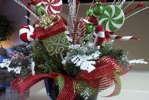 Christmas Decorations / by Lisa Lippe