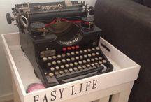 Oud en nieuw. / Lekker naar de kringloop om oude spullen weer een nieuw leven te geven.