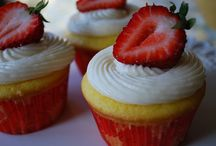 cupcakes galore / by Diana Frazier