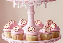 cupcake ideas / by Amy Huntley (TheIdeaRoom.net)