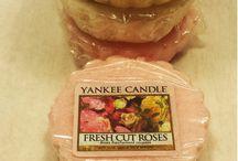 Yankee Candle  / Eine große Liebe von uns sind Duftkerzen. Am liebsten von der Firma Yankee Candle. Wir stellen auf unserem Blog hin und wieder unsere liebsten Duftrichtungen vor.