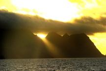 Islas Juan Fernandez 2010 / Llevamos amor, alimentos y la Palabra de Dios a una isla chilena que fue impactada por un maremoto / by Sociedad Biblica Chilena