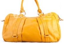 Amazing Handbags / by Melissa Joy