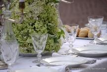 Table Décor & Mise en Place  / Le meravigliose tavole apparecchiate ed allestite dagli ospiti partecipanti al Flash Mob Unconventional Dinner Cena in Bianco 2012 in piazzetta Reale davanti a Palazzo Reale a torino