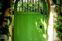 Home exterior / Home exterior, houses, garden, garden path, garden gates and fences, lighting, doors, patio, gazebo, pergola etc