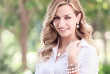 Summer Lookbook / Summer style featuring the best jewelry looks from Oliver Smith Jeweler.