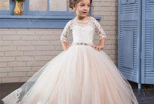 Amelia i Tosia sukienki ślub