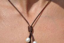 Bijoux en lacets de cuir