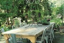 Outdoor Tables / by Donna Stovesand