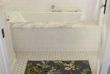 Upstairs bathroom Broussard