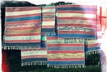 K O B E R E Č K Y * CZ * Made In Slovakia / www.koberecky.cz - Ručně tkané koberečky ze slovenské Oravy. Vyráběné z textilních ořezů. Co kus to originál. Vydrží opakované praní v automatické pračce (na 40 stupňů).