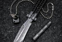 Kések, kardok, balták