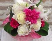 Wedding Ideas / Bride's bouquet sparkling for a happy marriage.  Bouquet de mariée pétillant pour un mariage heureux