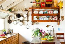 Happy Cute Retro Kitchen / by Camila Prada