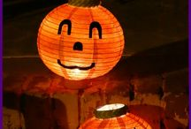 Crafts - Halloween Crafts / A board of fun and fantastic halloween ideas. Halloween costumes, Halloween crafts, activities and ideas. Halloween decorations, Halloween decor, left over candy, DIY Halloween costumes, Halloween toddler crafts, last minute costumes, pumpkin crafts, Halloween safety tips, Halloween treats, Halloween edible crafts, Family friendly Halloween movies