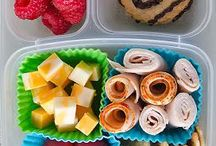Kid lunch & snack ideas / Because everyone has time to make sandwich art for your kids.