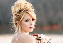 Wedding Hair Updo / A relaxed, stylish updo goes great with a rustic barn wedding. Get some hairstyle inspiration!