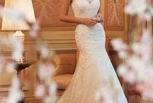 Bröllopsklänningar / Samling olika bröllopsklänningar på nätet