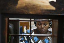 Rénaca (Réseau National des Caisses villageoises d'Epargne et de Crédit Autogérées) - Bénin / RENACA est une IMF mutualiste béninoise qui a pour mission de renforcer la base économique des populations vulnérables pratiquant une activité économique d'auto emploi au moyen de services financiers et non financiers de qualité dans une perspective d'atteindre la pérennité. Par ailleurs, le RENACA encourage ses membres à épargner afin de constituer une caisse de base servant pour l'octroi de crédits aux petits producteurs qui peuvent ainsi développer leurs activités.          ©Philippe LISSAC
