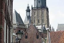 Zutphen, de stad / Een oervrouwelijke ondergrond, oeroude bewoning, met de Es als stadsboom.