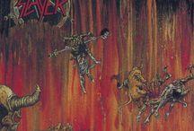 Slayer / Gli Slayer sono un gruppo thrash metal, formatosi a Los Angeles nel 1981, noto per il contenuto dei testi, che toccano argomenti riguardanti satanismo, nazismo, guerra, violenza, morte e serial killer.
