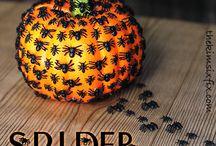 Halloween / by Marie-Pier Côté