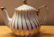 Sadler Teapot Gold Swirl