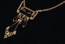 Antique & Vintage Necklaces
