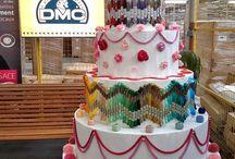 270 ans DMC 1746-2016 Echevette OR / DMC fête ses 270 ans de réation et d'innovation. Pour célébrer cet événement et partager ces instants magiques avec vous, tous et toutes passionné(e)s de broderie, DMC vous offre l'opportunité d'acquérir un souvenir EXCLUSIF, PRESTIGIEUX fabriqué en EDITION LIMITEE.