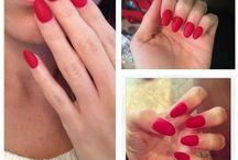 unghie rosso