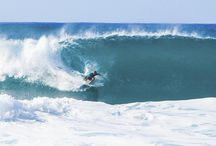 Surfing in Hawaii / Surfʻs up!