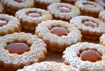 Biscotti, ciambelle e tortini