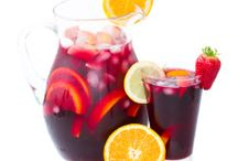 Adult Friendly Paleo Beverages / Paleo beverages for grown ups! While it's probably not the best idea to indulge in alcohol all the time while following a Primal lifestyle, having an occasional drink is totally okay on the Paleo Diet! These alcoholic beverages are delicious and healthy takes on traditional alcoholic favorites.