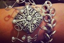 Bijoux que je réalise  / Je réalise des bijoux uniques et des fois ils sont disponible en plusieurs couleur