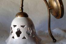 Applique campanella in ceramica con braccio in metallo anticato. Craquele. 40,00 € su misshobby.com