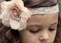 Bruidskapsels en haar accessoires / Prachtige bruids accessoires voor haar, sluiers, corsages en spelden
