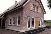 Woningbouw | Natura / Inspiratie voor keramische woningbouw met stijlkenmerken: landelijk, authentiek, romantisch, sfeervol Ideeën voor toepassing van keramische dakpannen en gevelstenen.