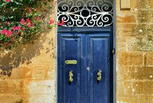 All about Malta / Have you ever booen to Malta? It's a wonderful island in the Mediterranean sea with its own nature & culture. The doors of maltese houses deserve special attention!