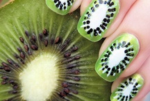 nails / by Sonia Orsenigo