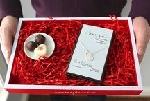 Valentine's Day Gifts / Valentine's Day gift ideas, Valentines day jewelry for wife, for girlfriend, for daughter.
