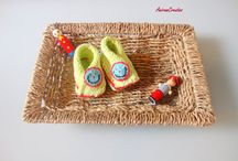 Baby hand knitted shoes