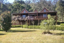Weekend Retreats / Escape the City Madness to your own secluded Weekend Retreat. We have luxurious Hunter Valley retreats as well as rustic bush camp properties surrounded by National Parks, so call us on 02 4998 3219 now!