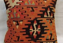 turkish kilim pillows / turkish kilim pillows hand made 40x40 cm  available and also we can make a order  sahcarpets@gmail.com