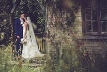 Photo Locations at Scorrier / Find the perfect backdrop to your wedding photo in Scorrier House or its roaming garden