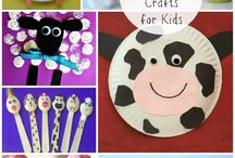 Farm Animal Activities for Kids / All the fun of the farm at home with your kids. Arts and Crafts - Learning Activities - Sensory Play - Pretend Play - Messy Play - Pigs - Sheep - Cows - Chickens - Dogs - Goats and more