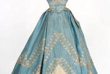 Dresses of 1800-1900 / dresses
