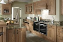 Lyndon shaker kitchen / Lyndon knotty oak shaker kitchen, perfect for country living, from Units Online http://www.unitsonline.co.uk/lyndon-shaker-kitchen