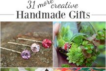 Handmade Gifts + Gift Guides / DIY and homemade gift ideas - gift guides