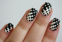 Monochrome Nail Art / Pics of black and white nail art designs.