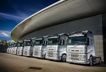 McLaren / Proud to be the official supplier of trucks to the McLaren Formula 1 team